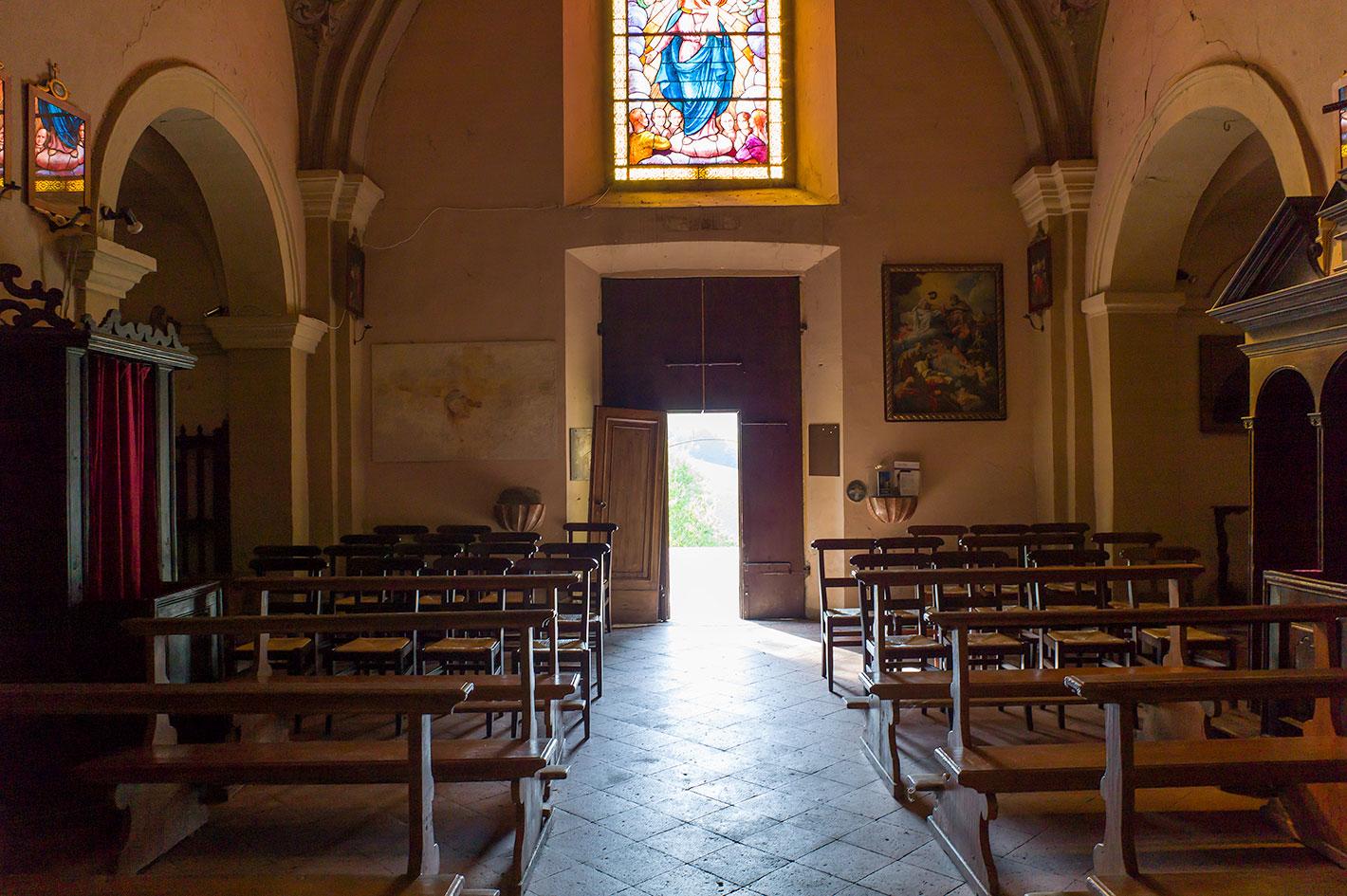 Interno Chiesa Antica Pieve Di Verdeto